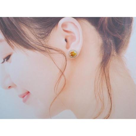 小さなお花のピアス/イヤリング