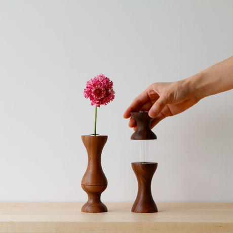 flower vase  M  walnut