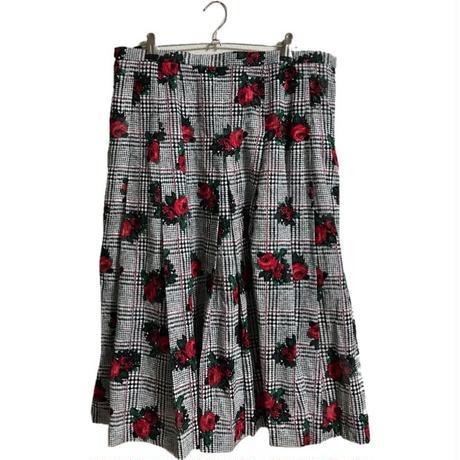 check flower design pleats skirt