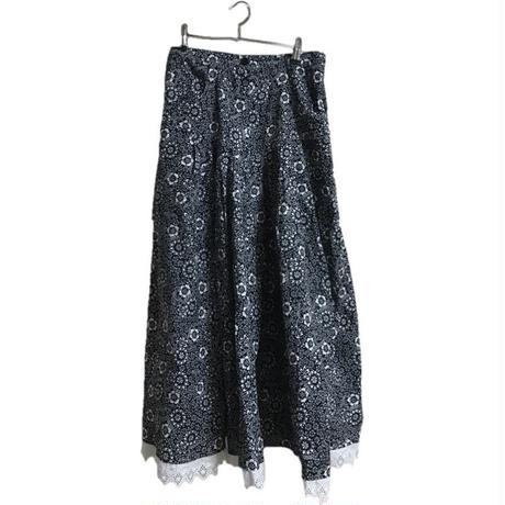 monotone flower design skirt