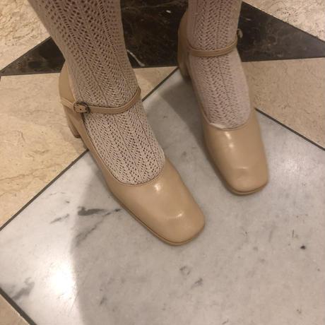 square toe pumps