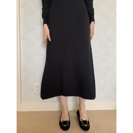 collar design Vneck knit onepiece black