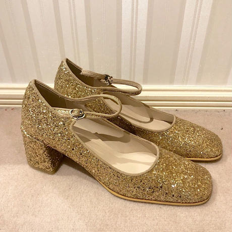 square toe pumps glitter gold