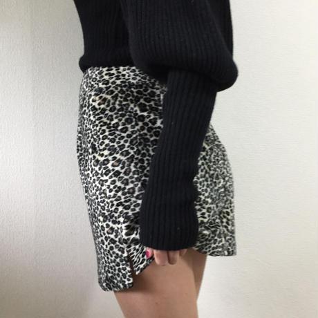 side slit leopard fur mini skirt