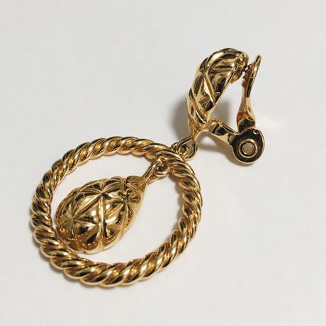 quilting hoop earring