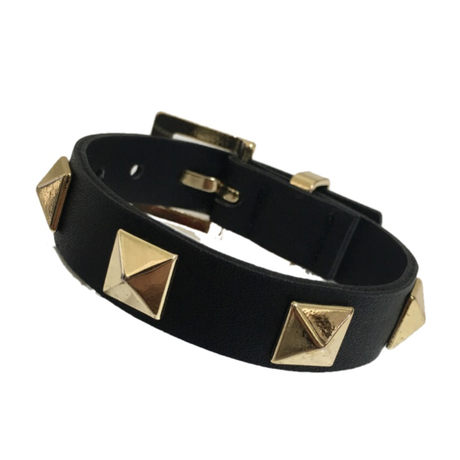 studs design leather bracelet