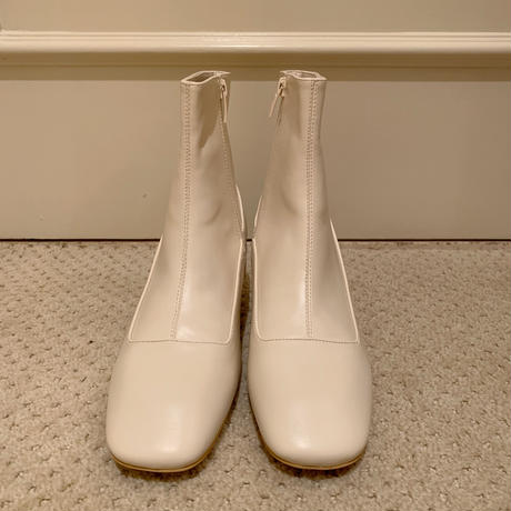 square toe khitōn heal short boots ivory
