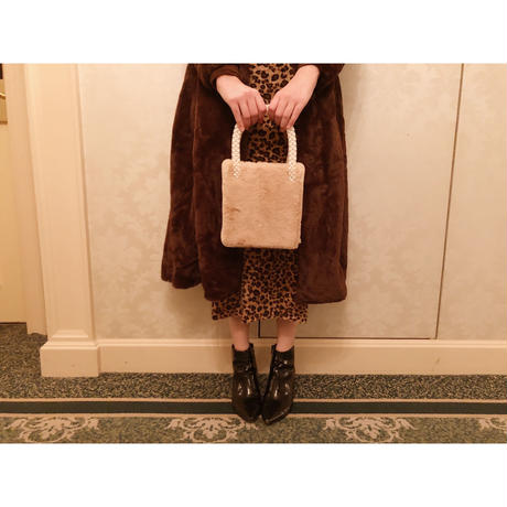 hand pearl fur bag