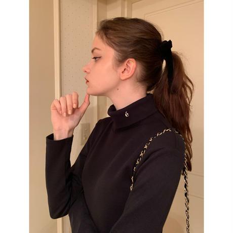 é embroidery cotton high neck black