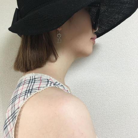 Dior heart motif pierce