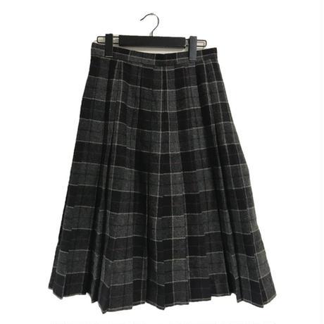 check pleats skirt charcoal gray