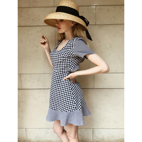 back open gingham check onepiece black