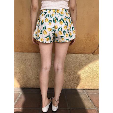 tulip pattern short pants yellow