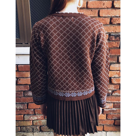 quilting flower knit brown