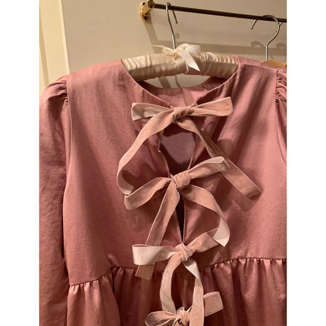 back ribbon tiered onepiece dasty pink
