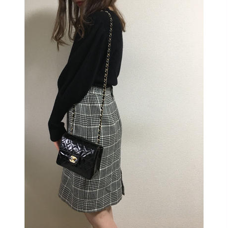 monotone check slit skirt