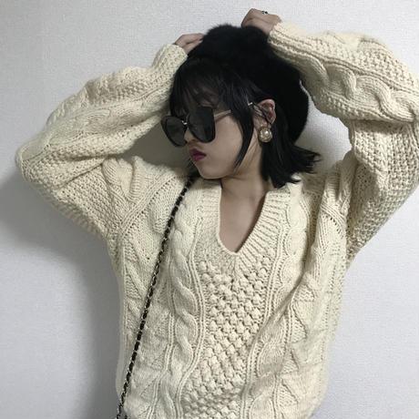 Vneck cable design knit