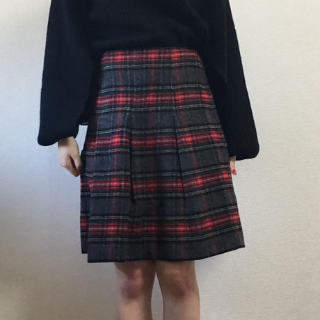 tuck  check  flare  skirt
