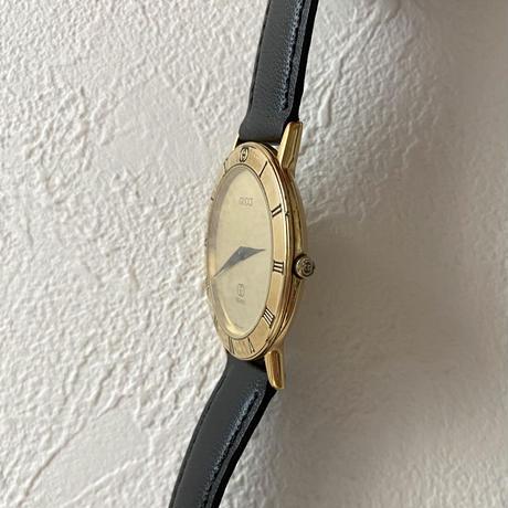 GUCCI gold frame design Watch(No.4199)