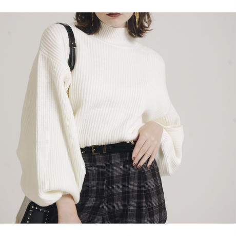 slit arm volume knit white