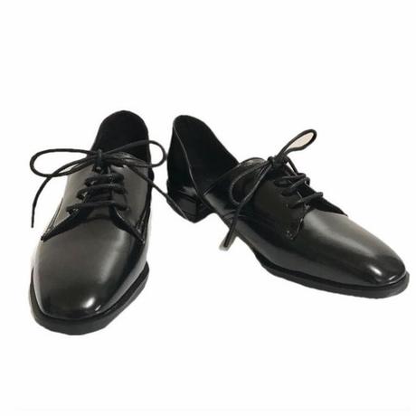 side cut design laceup shoes