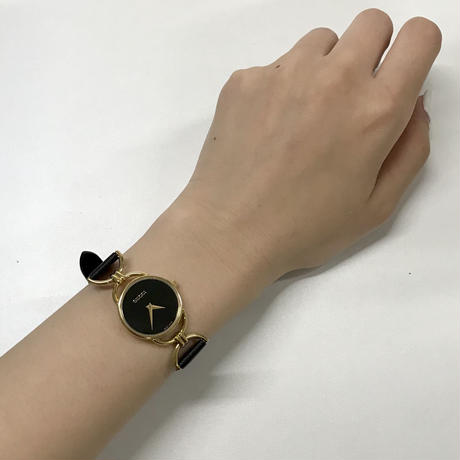 GUCCI gold motif Watch(No.3236)