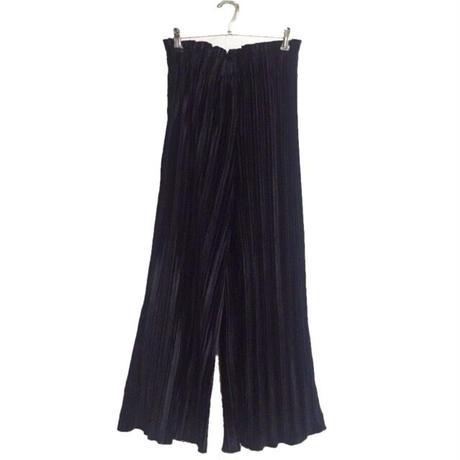 velour pleats pants black