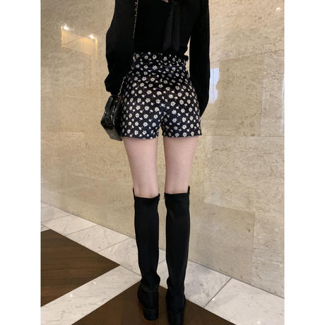 velours flower  short pants black