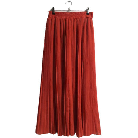 red pleats skirt