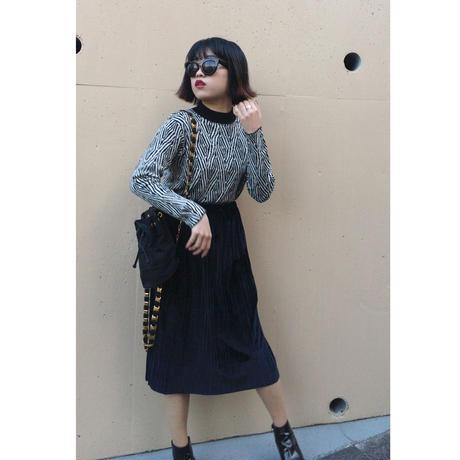 monotone design knit