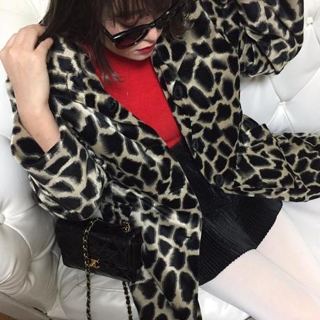 monotone pattern coat