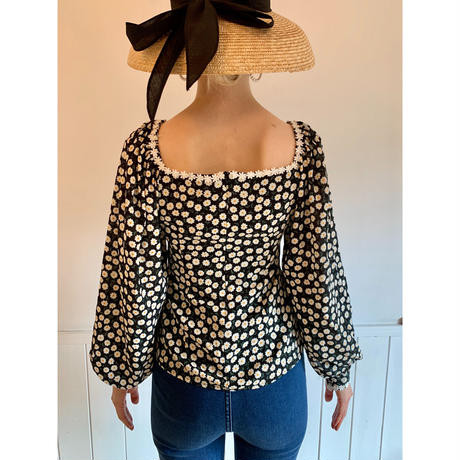 flower square neck blouse