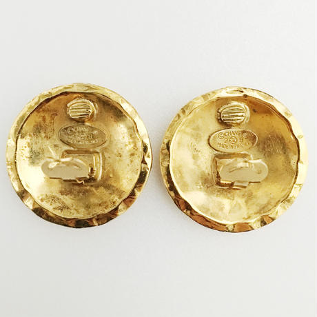CHANEL matelassé stitch earrings