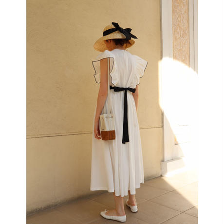 frill back ribbon onepiece piping white
