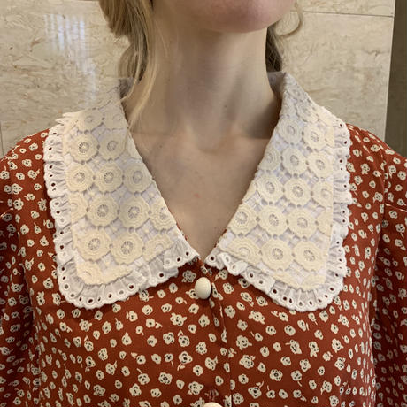 lace collar  flower blouse red