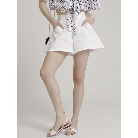flare design short pants white