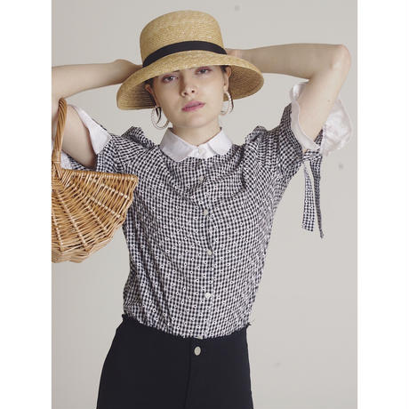 gingham flower frill blouse