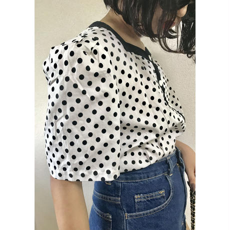 dot piping design blouse