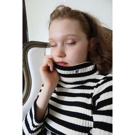 é embroidery rib knit high neck border