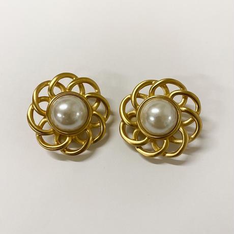 pearl gold vintage earring
