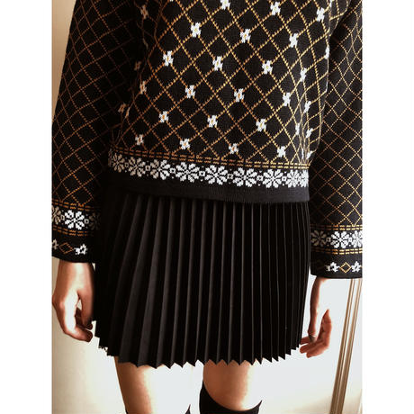quilting flower knit black