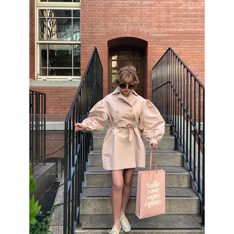 arm volume mini trench coat baby pink