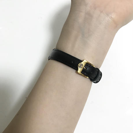 GUCCI gold flame design Watch