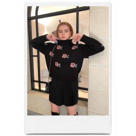 rose design knit black