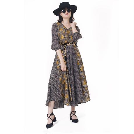 check × flower pattern skirt