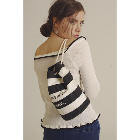 piping frill design knit white