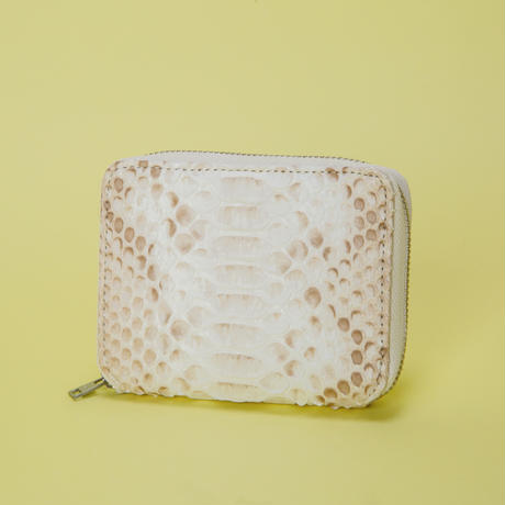 NATURAL PYTHON ROUND PALM WALLET