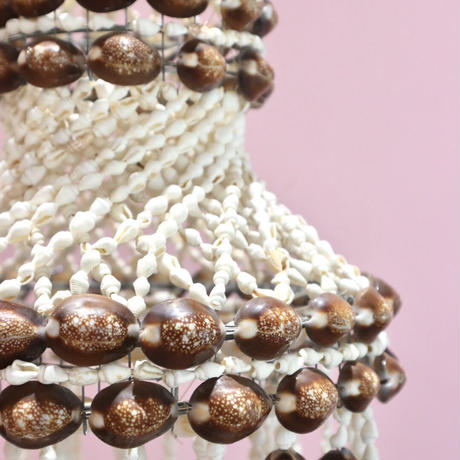 VINTAGE SHELLS CHANDELIERS / OBJECT (A)