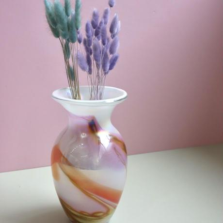 VINTAGE OPAL GLASS VASE