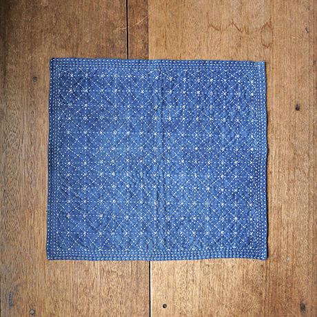 苗族藍染め刺し子敷物(M)